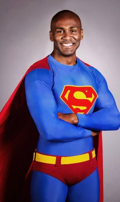 Os autores lembram que 'deveria ser normal um ator negro fazer qualquer personagem'. Na foto, o ator Taiguara Nazareth Divulgação/Guilherme Silva