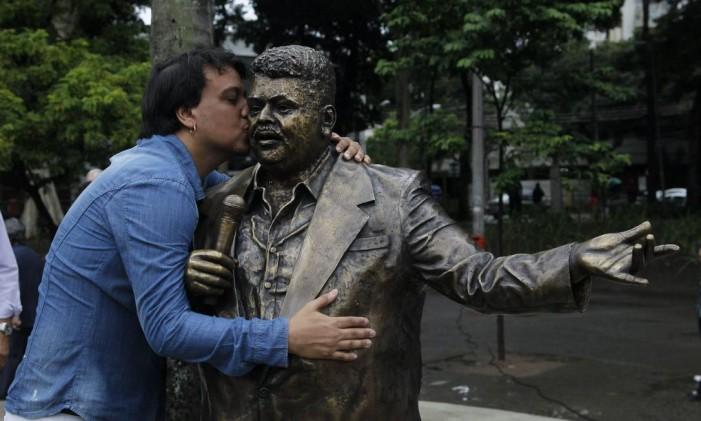 Inauguração da estátua de Tim Maia, na Praça Afonso Pena, na Tijuca Foto: Marcelo Carnaval / Agência O Globo