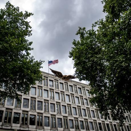 A atual embaixada dos EUA no Reino Unido gerou polêmica entre moradores sobre potencial ataque terrorista no local Foto: ANDREW TESTA / NYT