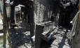 Um piano destruído no incêndio na Igreja Batista Briar Creek Road: seis casos em uma semana