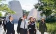 Dilma e Obama visitam monumento em homenagem a Martin Luther King em Washington