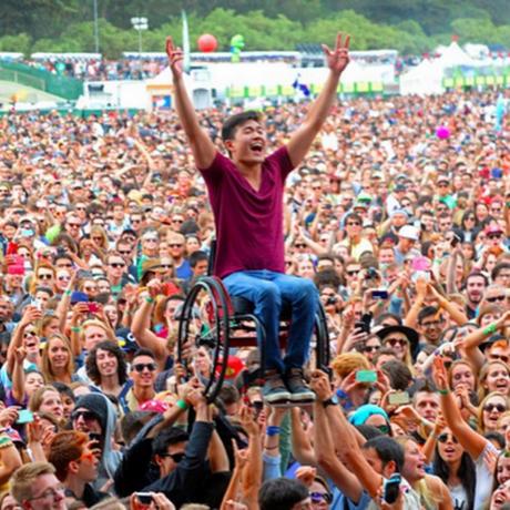 A foto que viralizou foi tirada, na verdade, em festival nos Estados Unidos Foto: Reprodução/Instagram da cantora Ellie Goulding