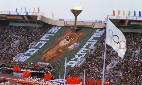 Fofo. Nunca houve, na história das Olimpíadas, um mascote como o encantador Mish: na foto, a abertura dos Jogos de Moscou Foto: 19/07/1980 / Arquivo