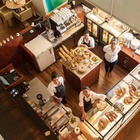 O Benedictine Caffè reúne itens preparados no restaurante, como pães e massas artesanais Foto: Bárbara Lopes / Agência O Globo