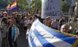 Manifestantes gregos se opõem à troika em Atenas