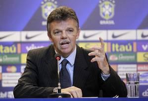 Gilmar Rinaldi disse que a CBF quer debater o futuro do futebol brasileiro Foto: Márcio Alves / O Globo