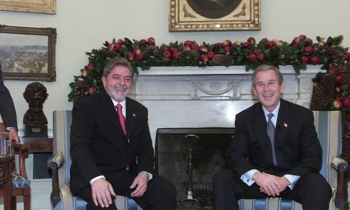 Luiz Inácio Lula da Silva durante encontro com o ex-presidente dos Estados Unidos, George W. Bush na Casa Branca, em Washington. Foto: Roberto Stuckert Filho / O Globo