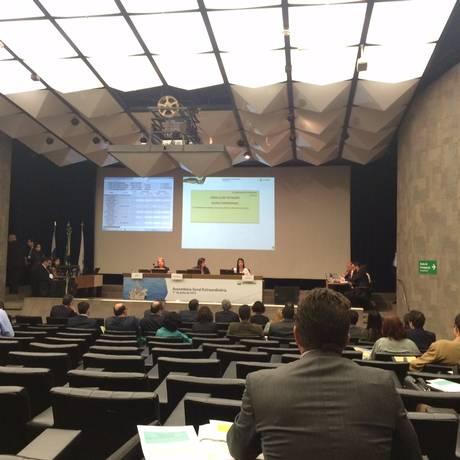 Assembleia Geral Extraordinária da Petrobras, nesta quarta-feira Foto: Bruno Rosa