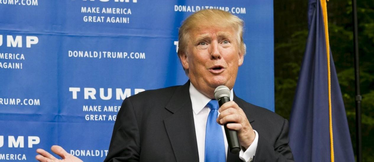 Trump conversa com eleitores em New Hampshire Foto: DOMINICK REUTER / REUTERS