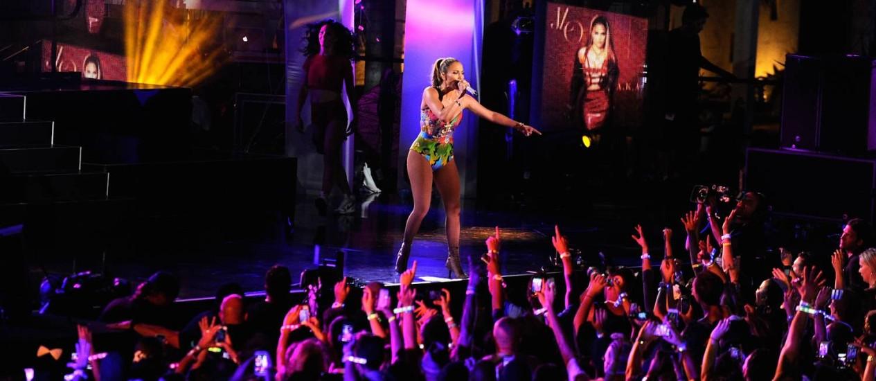 Jennifer Lopez em show no hotel Fontainebleau, em Miami Foto: Divulgação / Sergi Alexander/Getty Images/Clear Channel