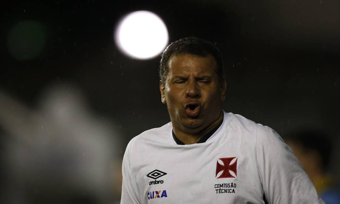 O técnico do Vasco, Celso Roth Alexandre Cassiano / Agência O Globo