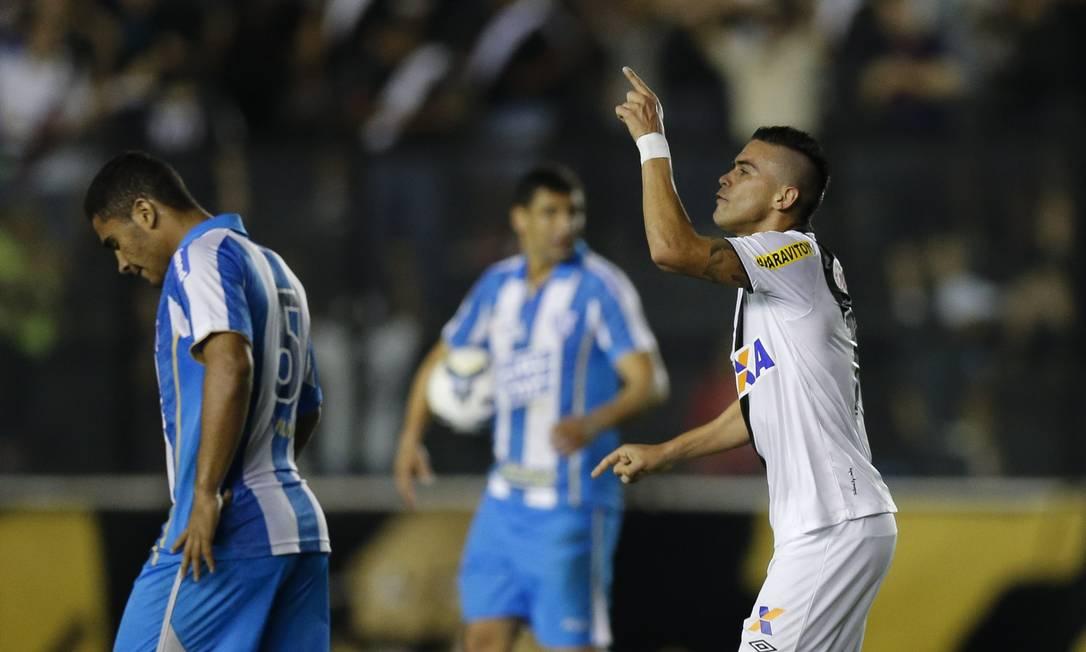 Biancucchi comemora o gol da única vitória do Vasco em São Januário, neste Brasileiro Alexandre Cassiano / Agência O Globo