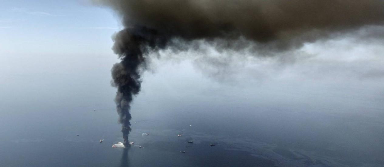 Deepwater Horizon, em 2010: poluição atingiu cinco estados Foto: Reprodução