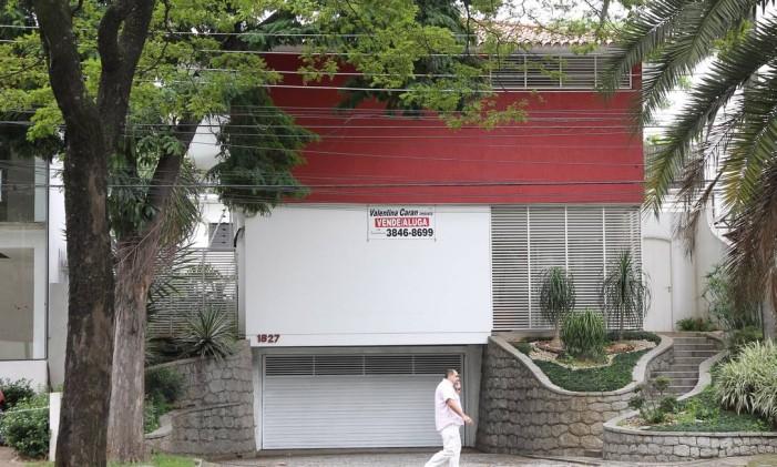Casa do ex-ministro José Dirceu na avenida República do Líbano, em Moema, São Paulo Foto: Michel Filho / Agência O Globo
