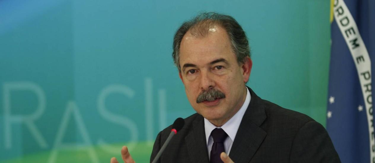 O ministro-chefe da asa Civil, Aloísio Mercadante Foto: Jorge William / Agência O Globo