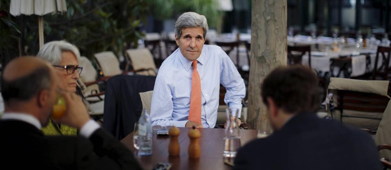 Apos degelo histórico com Cuba e negociações nucleares com o Irã (na foto), Kerry ensaia foco na Venezuela Foto: CARLOS BARRIA / REUTERS