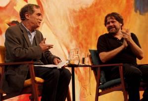Mesa com Jorge Mautner e Marcelino Freire encerrou os trabalhos de quinta-feira na Flip Foto: Gustavo Stephan / Agência O Globo