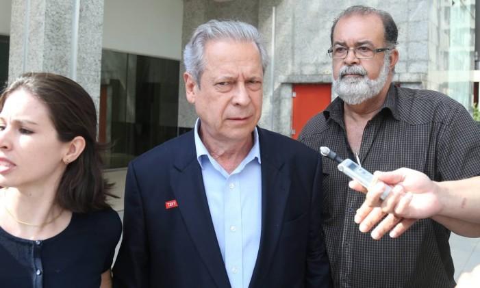 O ex-ministro da Casa Civil José Dirceu Foto: André Coelho / Arquivo O Globo