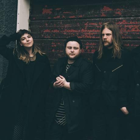 Vocalista do quinteto islandês Of Monsters and Men fala sobre o novo álbum Foto: Meredith Truax / Divulgação