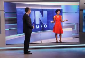 No 'JN', Bonner e Maju Coutinho comentam as ofensas racistas sofridas por ela Foto: TV Globo / Pedro Cur