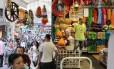 Só uma olhadinha: loja na Rua 25 de março vazia
