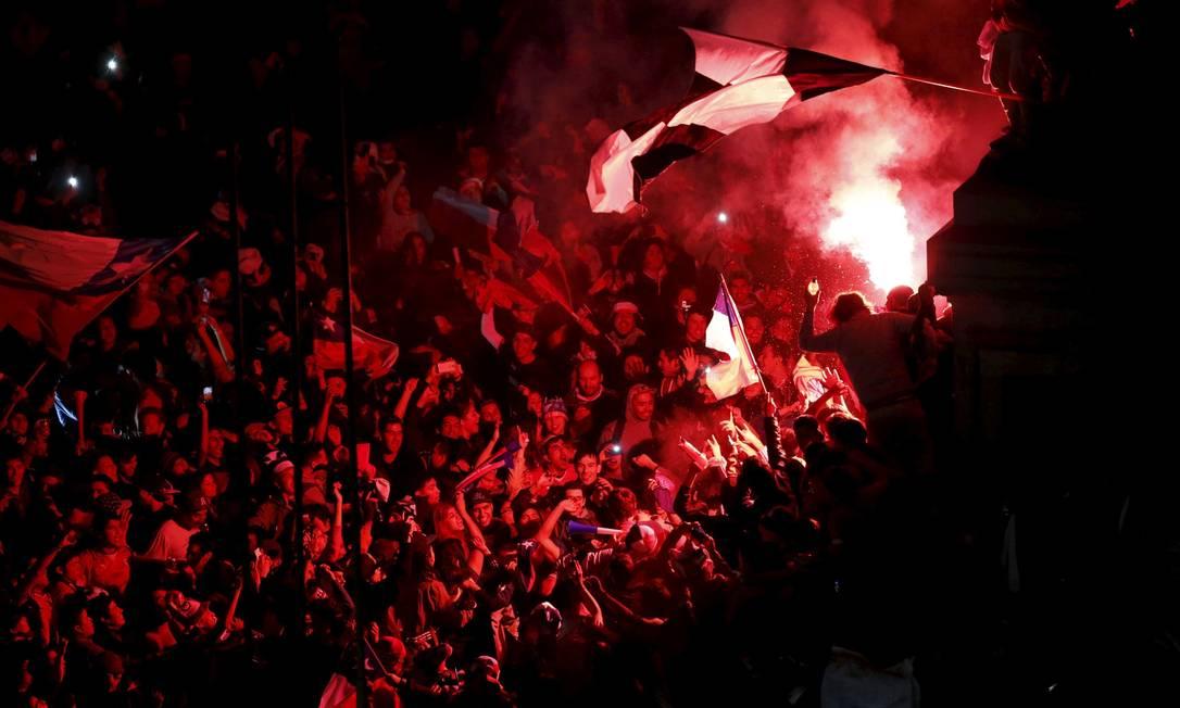 A bonita festa da torcida chilena no Estádio Nacional de Santiago ANDRES STAPFF / REUTERS