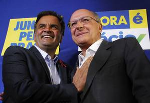 Aécio e Alckmin na campanha de 2014 Foto: Fernando Donasci/06-10-2014 / Agência O Globo