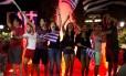 Gregos comemoram vitória do 'não' no referendo na Praça Syntagma