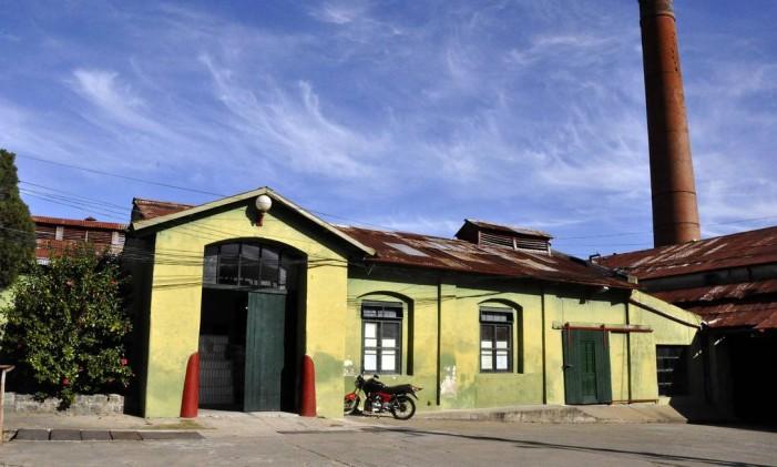 O antigo frigorífico Anglo, em Fray Bentos, no Uruguai, agora é Patrimônio da Humanidade pela Unesco Foto: MAURICIO RABUFFETTI / AFP