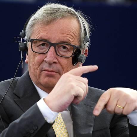 O presidente da Comsisão Europeia, Jean-Claude Juncker, participa de debate no Parlamento Europeu sobre as consequências do referendo da Grécia Foto: Patrick Hertzog / AFP