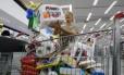 Consumidor estoca para fazer frente à crise
