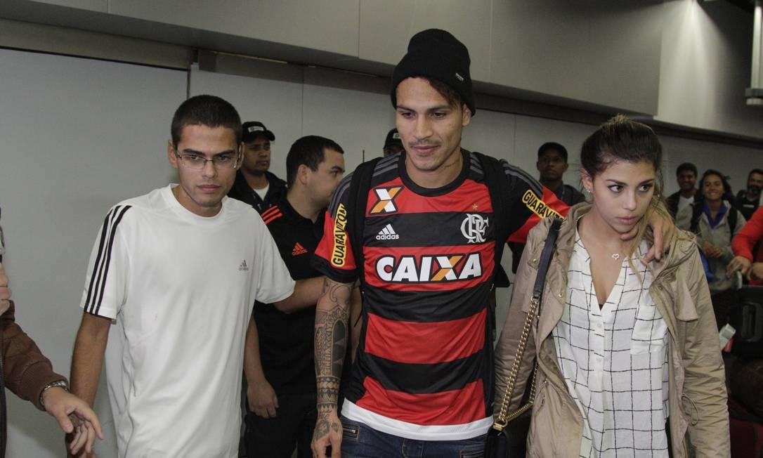 Ao deixar o aeroporto, o jogador foi para o Ninho do Urubu Gilvan de Souza/Flamengo