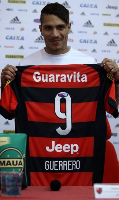 Guerrero reconheceu que o torcedor está chateado com a fase do time, mas se mostrou confiante no time do Flamengo Rafael Moraes / Extra