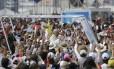 Papa Francisco chega para rezar missa no Parque Bicentenário, em Quito