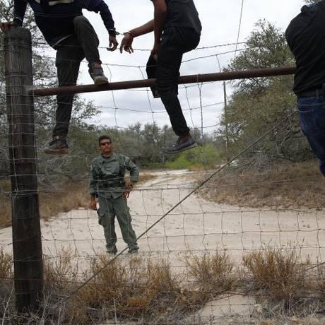 Lidar com imigração ilegal ainda é um desafio duro para os EUA Foto: Reuters