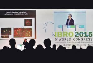 Em meio ao primeiro evento de neurociência da Organização Internacional de Pesquisa do Cérebro no país, cientistas brasileiros reclamam de verbas reduzidas Foto: Domingos Peixoto