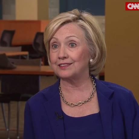 Hillary Clinton criticou os pré-candidatos republicanos sobre a imigração em entrevista à rede CNN Foto: Reprodução