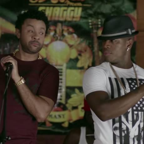Shaggy e Ne-Yo no clipe de 'You girl' Foto: Reprodução/YouTube