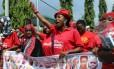 Manifestantes cobram ações do governo nigeriano para a libertação das reféns do Boko Haram