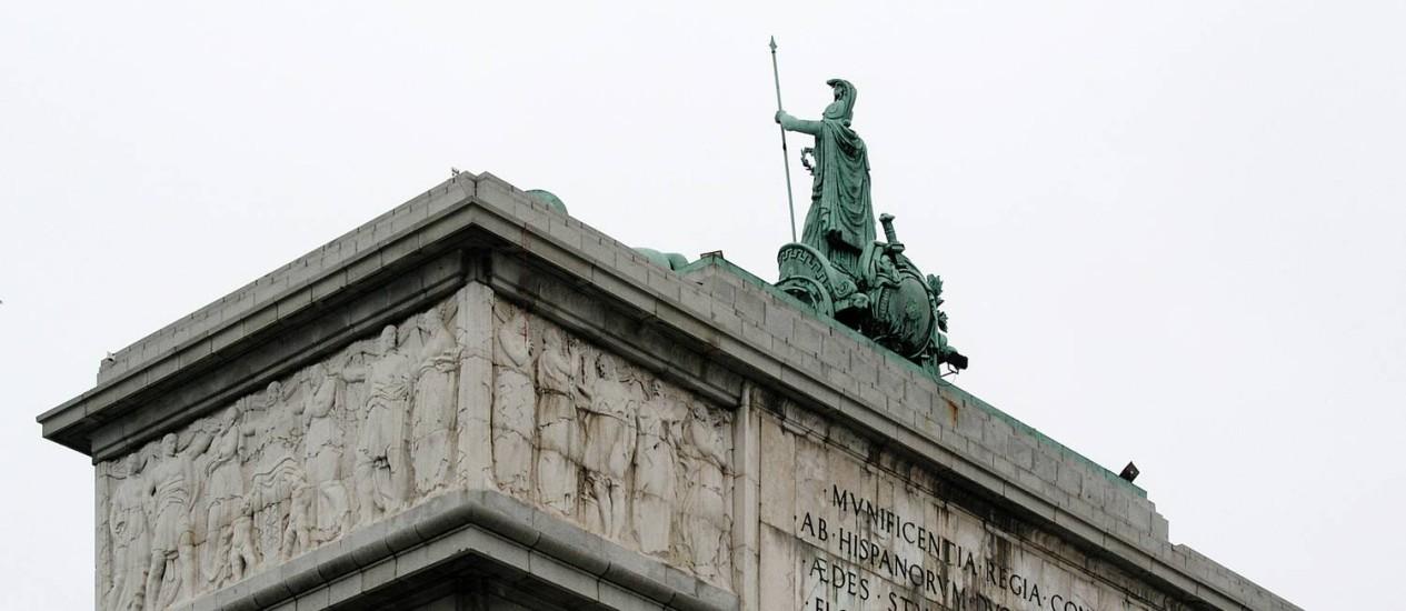 Arco da Vitória. Monumento em Madri foi erguido pelo ditador Francisco Franco para celebrar seu triunfo sobre os republicanos na Guerra Civil Foto: Reprodução / Håkan Svensson/ Wikimedia Commons