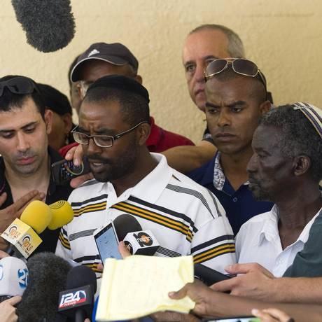 Família de Mengistu está contrariada com ação discreta do governo no caso, alegando que o assunto teria sido tratado de forma diferente se ele fosse branco Foto: AMIR COHEN / REUTERS
