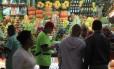 Comércio no mercado municipal da Cantareira em São Paulo