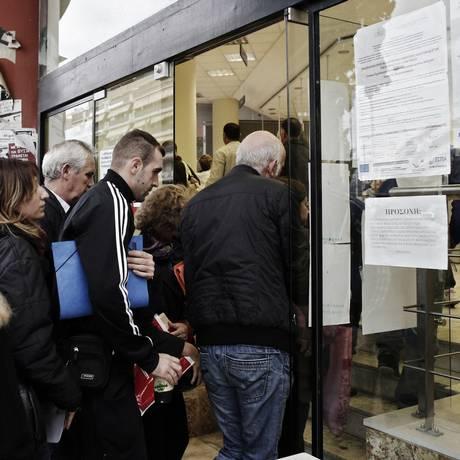 Apesar de enfrentar maior taxa de desemprego da Europa, gregos são os que têm maiores jornadas de trabalho Foto: Kostantinos Tsakalidis / Bloomberg