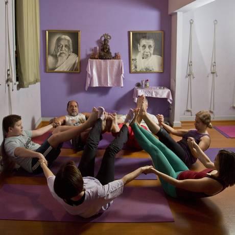 Alunos de yoga Foto: Hudson Pontes / Fotos de Hudson Pontes