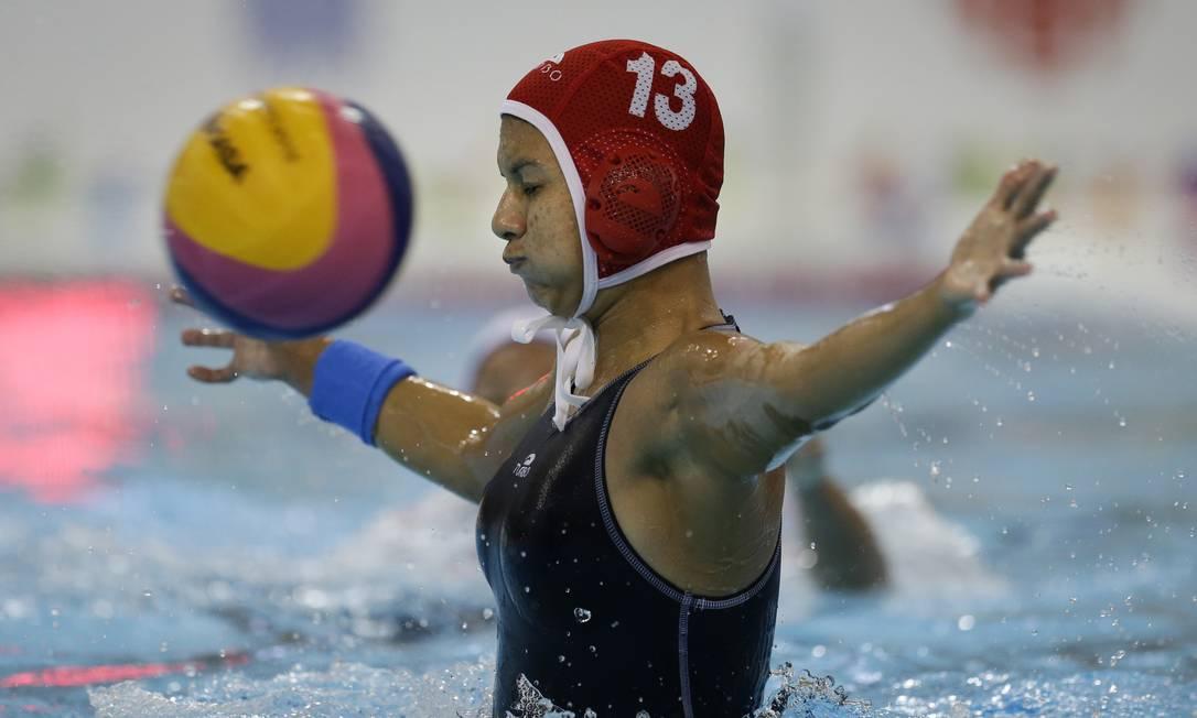 A goleira venezuelana Angela Marcano foi 'bombardeada' durante a partida Felipe Dana / AP
