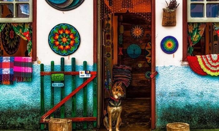 Fachada de casa artesanato em Lavras Novas, Minas Gerais Foto: @christian.barroso / Instagram