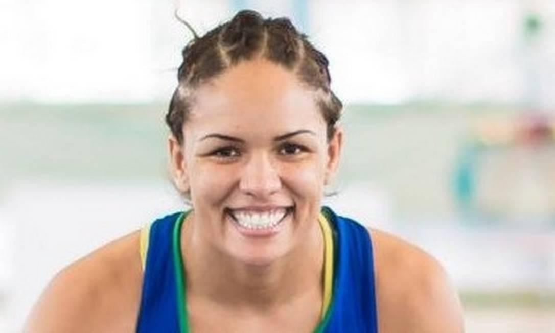 Aline Silva, da luta olímpica, promete voltar com medalha de Toronto Divulgação