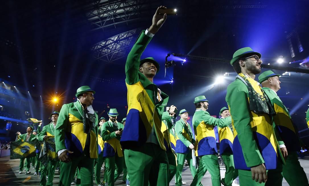 A delegação brasileira desfila no estádio Rob Schumacher / USA Today Sports