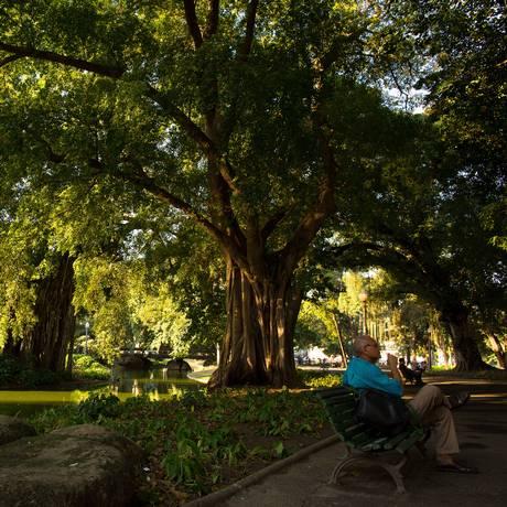 """Paisagem. Projeto do Campo de Santana pretendia que ele fosse um """"jardim romântico"""". Foto: Daniel Marenco / Agência O Globo"""