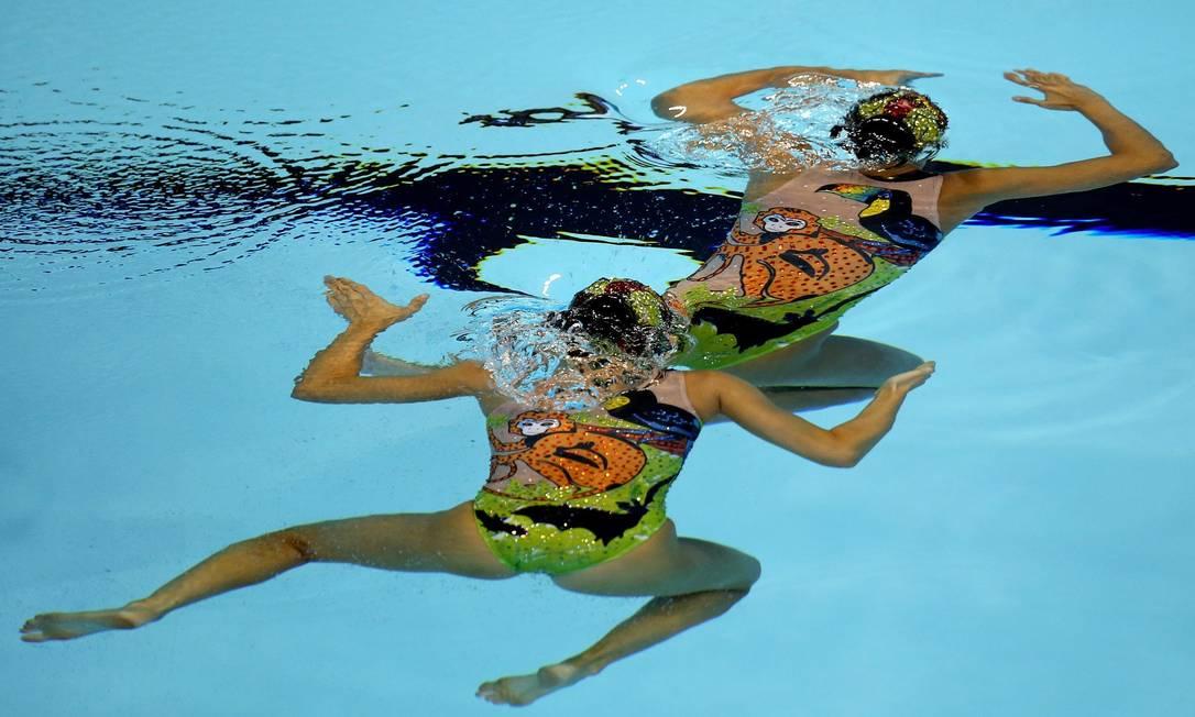 Luisa Borges e Maria Eduarda Miccuci, do Brasil, se apresentam na prova de nado sincronizado no Pan de Toronto Satiro Sodre / SSPress